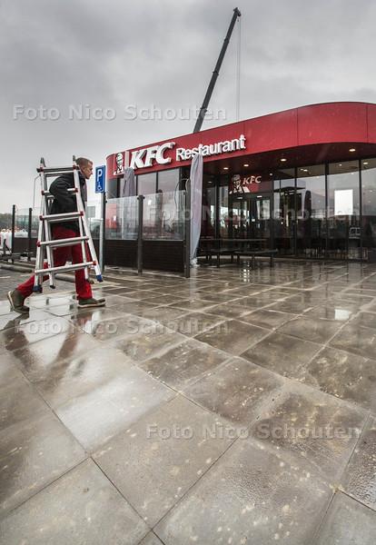 De KFC is bijna geopend op het Prisma bedrijvenpark - BLEISWIJK 21 OKTOBER 2015 - FOTO NICO SCHOUTEN
