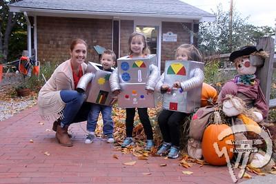 CCMNH — green halloween — Brewster, MA 10 . 26 - 2014