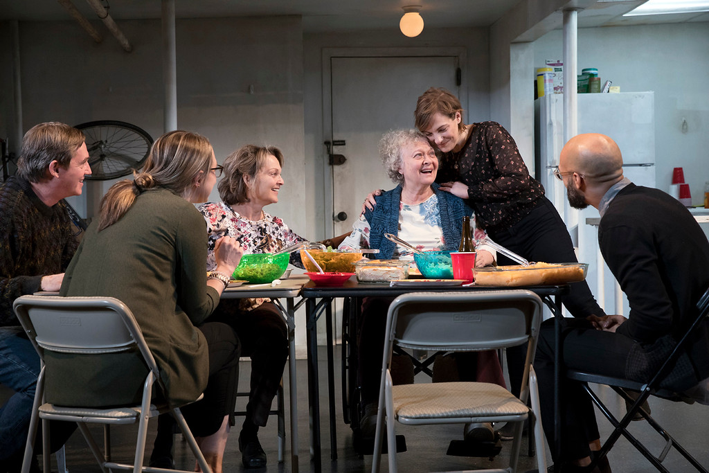 . The touring cast of �The Humans� is Richard Thomas, left, Therese Plaehn, Pamela Reed, Lauren Klein, Daisy Eagan and Luis Vega. The show continues through April 20 at The Connor Palace at Playhouse Square in Cleveland. For more information, visit www.playhousesquare.org. (Julieta Cervantes)