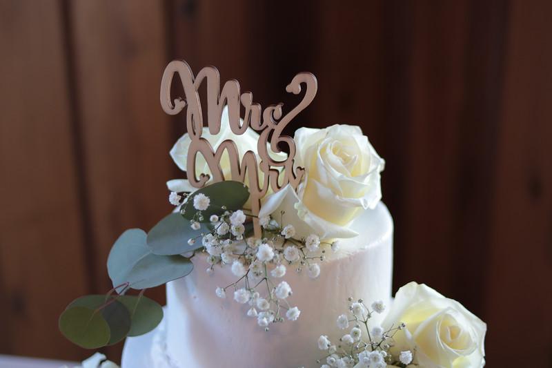 Elegant-Southern-Coastal-Wedding-Neutral-And-White-Details-Photography-By-Laina-Dade-City-Tampa-Area-Wedding-Photographer-Laina-Stafford-9.jpg