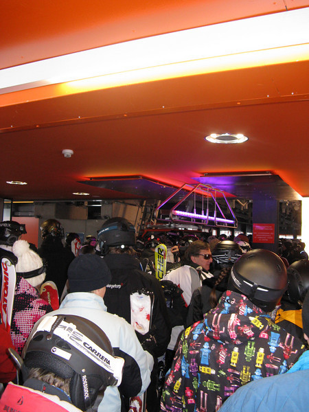 Sunday, the busiest day on the slopes