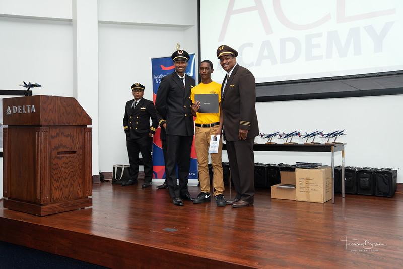 ACE_Graduation2018_sig-68.jpg