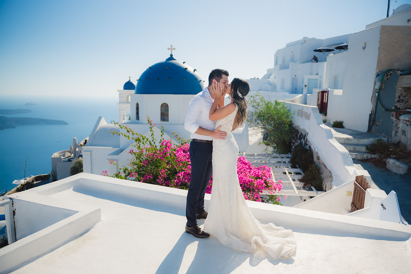 Honeymoon-photographer-santorini-post-wedding-session-Anna-Sulte.jpg