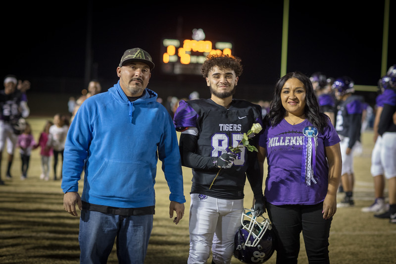 senior night-11.jpg