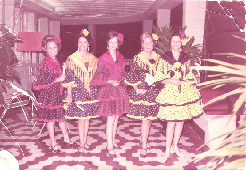 1973 k 18 Maria João Santos David, Celeste Pedro Alves, Graça Rebelo da Silva, Paula Santos David, Isabel Viegas