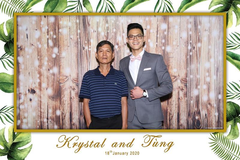 Krystal-Tung-wedding-instant-print-photo-booth-in-Ho-Chi-Minh-City-Chup-hinh-lay-lien-Tiec-cuoi-WefieBox-Photobooth-Vietnam-043.jpg