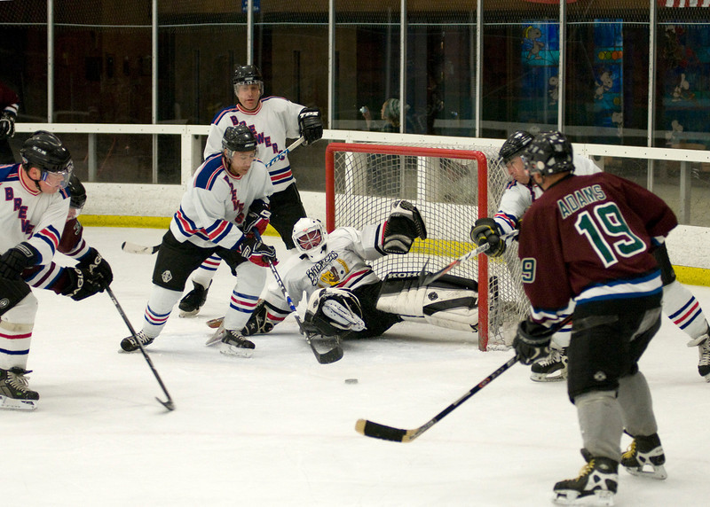 WB_0061 Going for puck.jpg