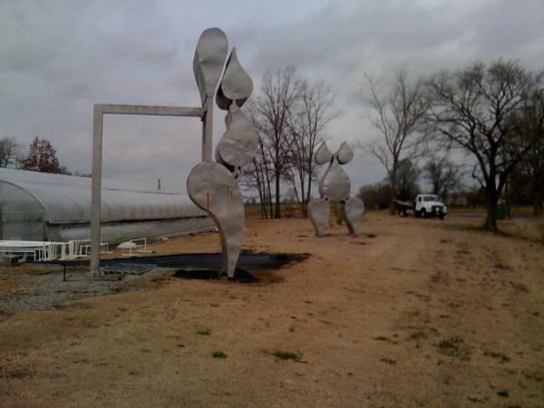 women sculptures 2.JPG