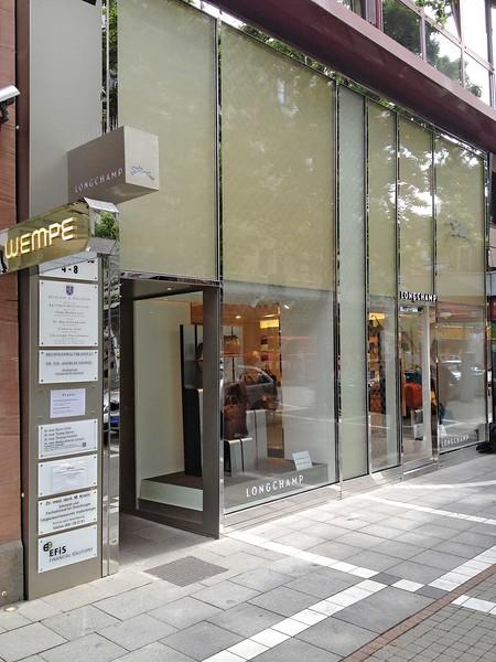 Boutique Longchamp