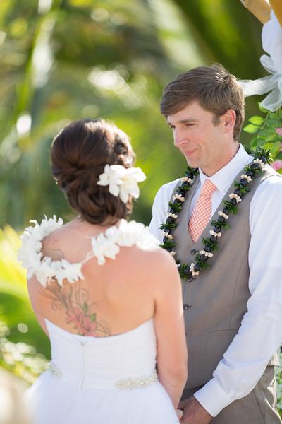 gillin beach kauai wedding-93.jpg