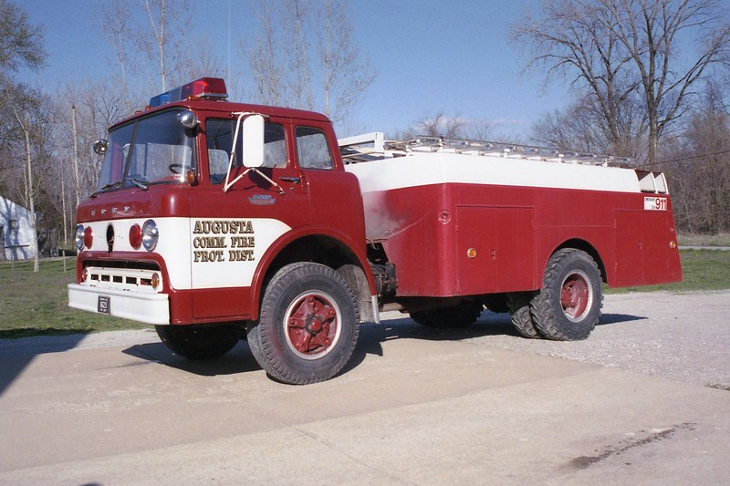 Augusta FPD MO - Tanker 8623 - 1965 Ford C-FD 200-1400.jpg
