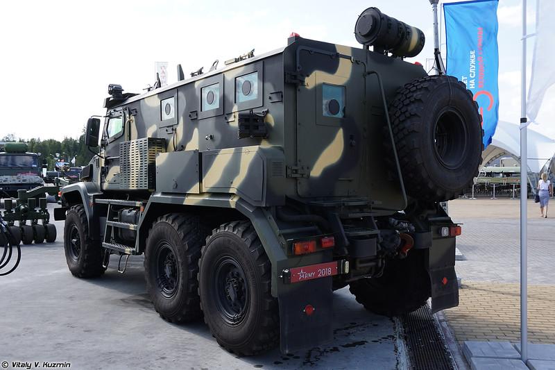 Бронеавтомобиль Патруль 6х6 с минным тралом (Patrul 6x6 armored vehicle with mine rollers)