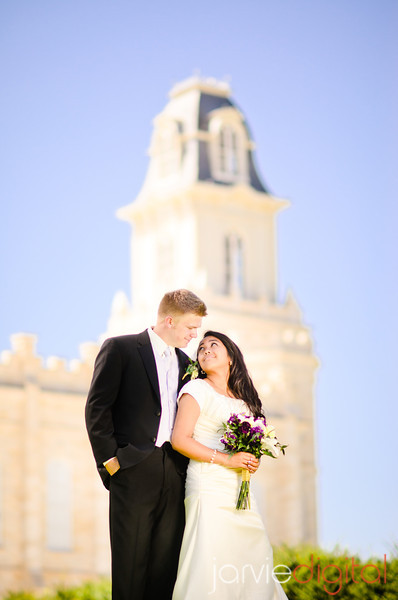 Wedding pictures at Manti Temple and Le Jardin