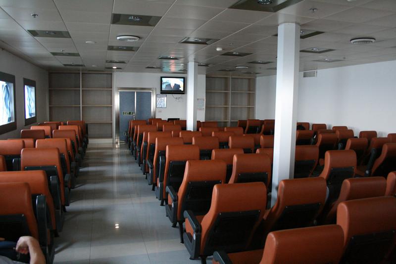 2009 - On board F/B CARTOUR GAMMA : sleeping seats.