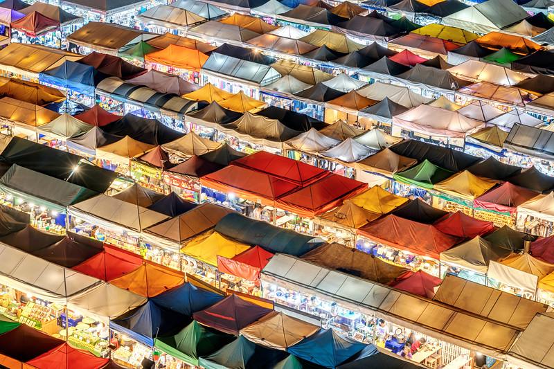 Talat Rotfai Night Market
