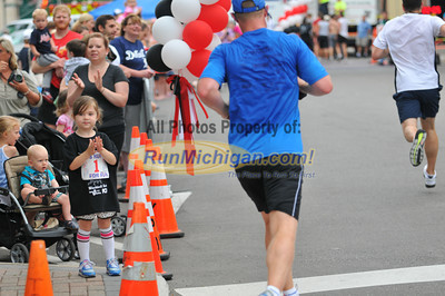 5K Finish - 2012 Plymouth YMCA Father's Day Run