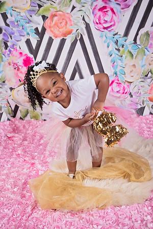 Savannah H | Babygirl Birthday Shoot