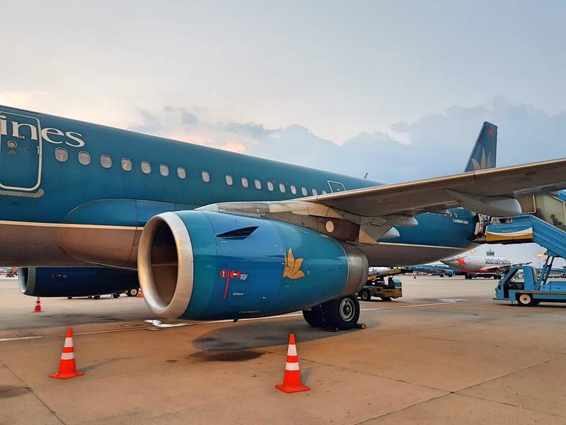 20190430_180027-boarding-sgn.jpg