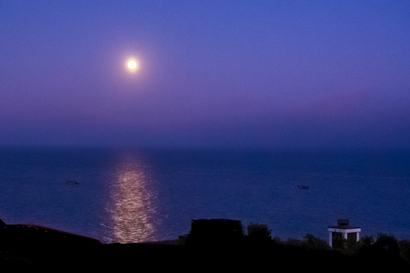 August 14 - Malibu moon at the cusp of sunset on anotheer perfect day in LA.jpg