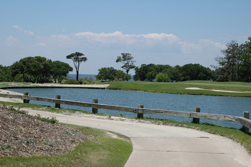golf_course_pond.jpg