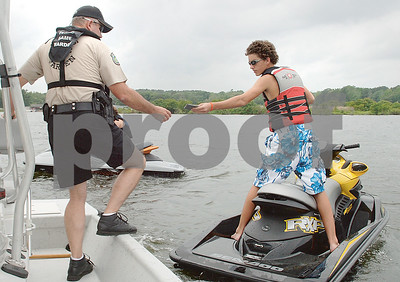 make-memorial-day-on-the-lake-safe-enjoyable-with-these-boating-tips