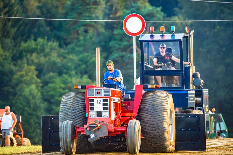 Tractor Pulling 2015-01659.jpg