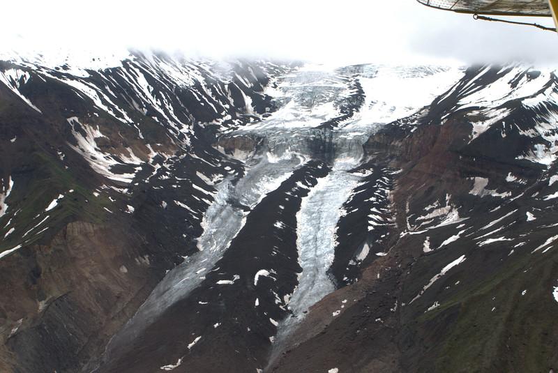 P1050660 Hanging Glaciers Skolai Pass.jpg
