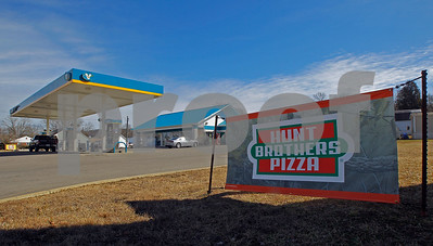 hunt-brothers-rules-rural-pizza-market-from-gas-stations