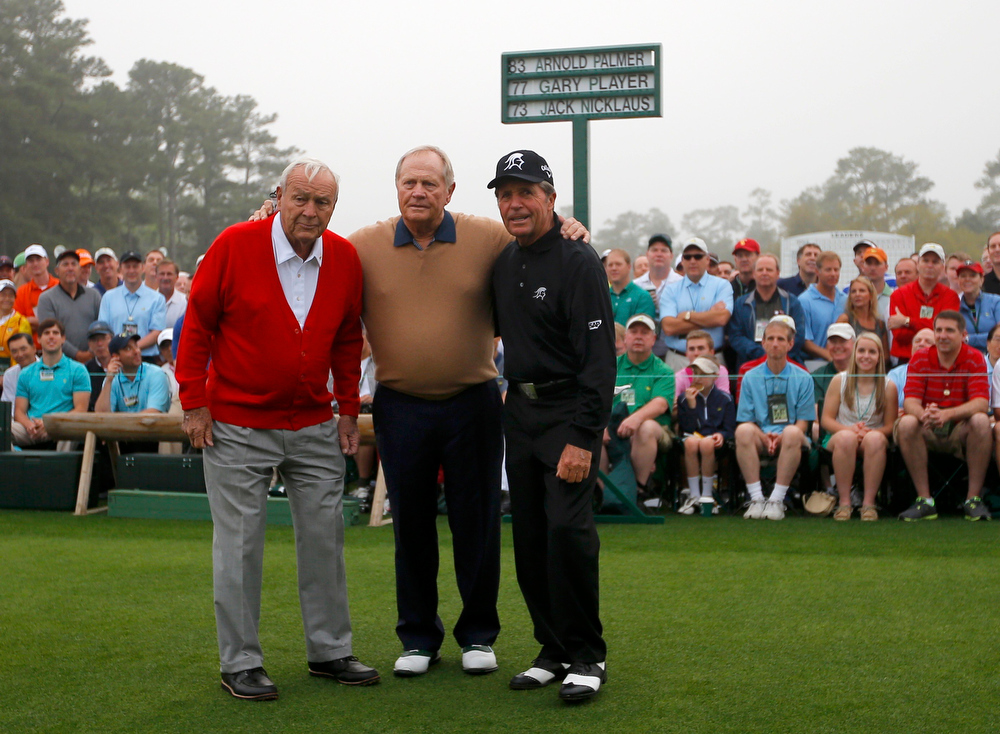 Description of . Former champions Arnold Palmer of the U.S. (L), Jack Nicklaus of the U.S. (C) and Gary Player of South Africa (R) pose together during the ceremonial start for the 2013 Masters golf tournament at the Augusta National Golf Club in Augusta, Georgia, April 11, 2013.  REUTERS/Brian Snyder