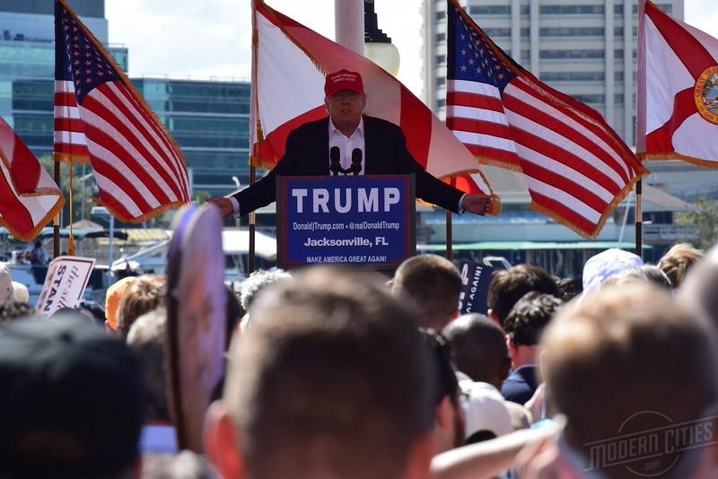 DonaldTrumpJaxLanding.jpeg