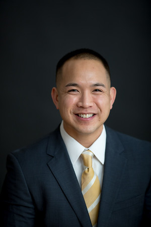 Dr. Dennis Truong Portrait