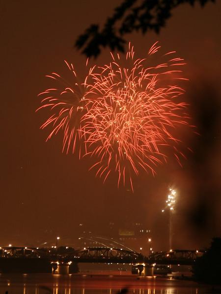 fireworks_17_07042007.jpg