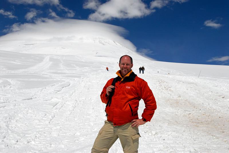 080501 1359 Russia - Mount Elbruce - Day 1 hiking up to Refuge No 11 _E _I ~E ~L.JPG
