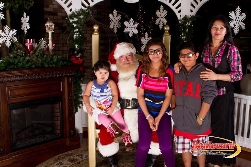 Santa Dec 15-267.jpg
