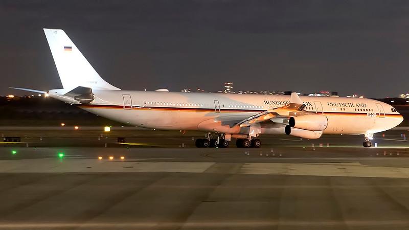 GermanAirForce_01_JFK_20Sep2021_Taxi_16+01_70-200mm.jpg