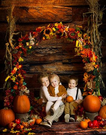 Eliana, Rhett and Zayden Fall Wreath Mini 2019