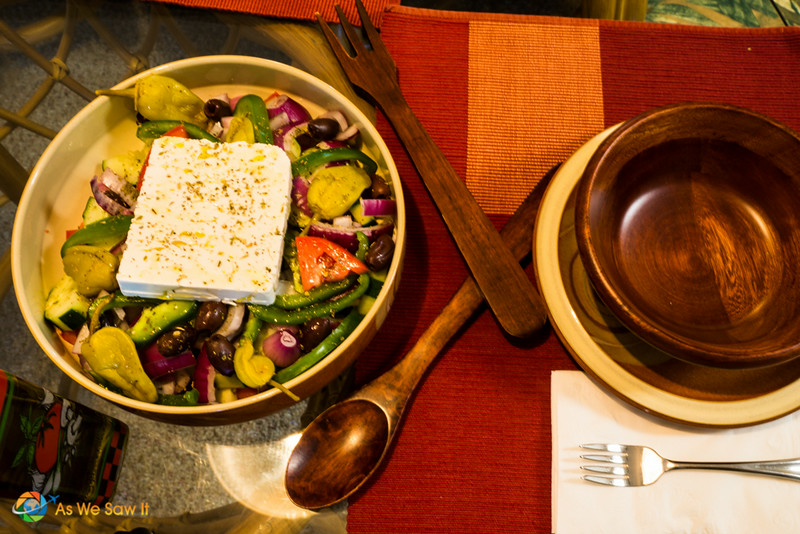 Greek_Salad-06607003.jpg