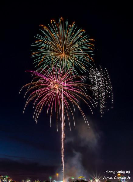 Fourth-of-July-Fireworks-2016-0373.jpg