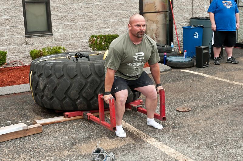 Fitness Revolution Strongman Challenge 2011_ERF3855.jpg