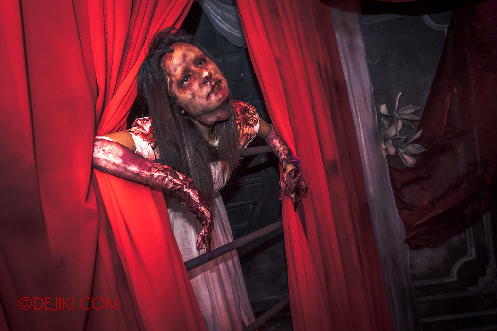 Halloween Horror Nights 6 - Bodies of Work / Grisly Bride 2