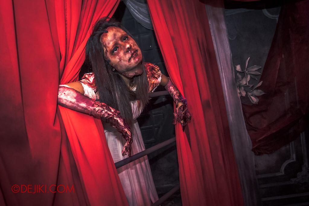 Halloween Horror Nights 6 - Bodies of Work / Grisly Bride 2