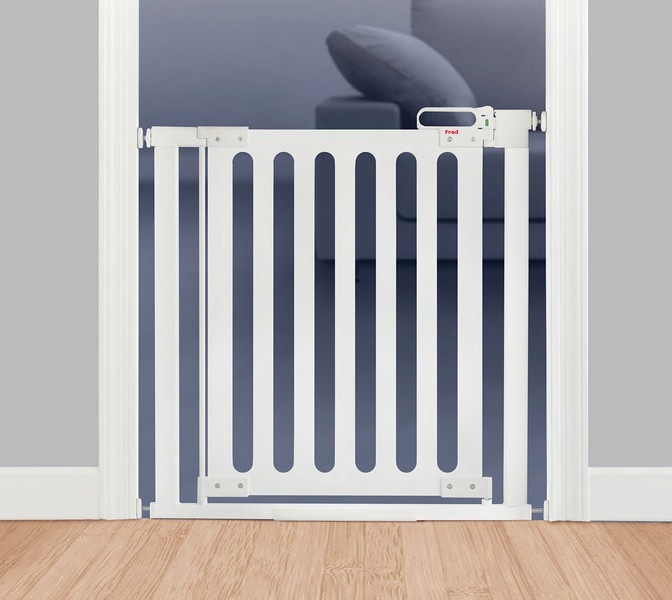 Fred_Stairgates_Pressure_Wooden_Gate_White_close.jpg