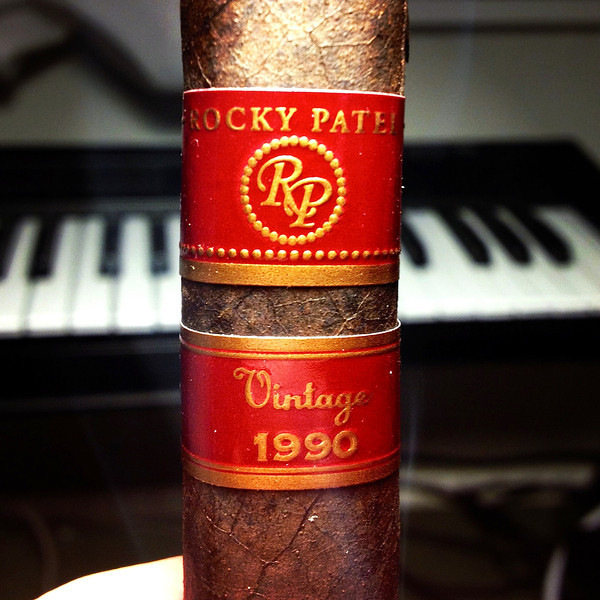 Roland Alpha Juno 2 + cigar