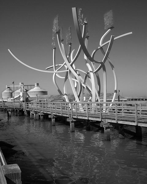 blyth sculpture b+w.jpg