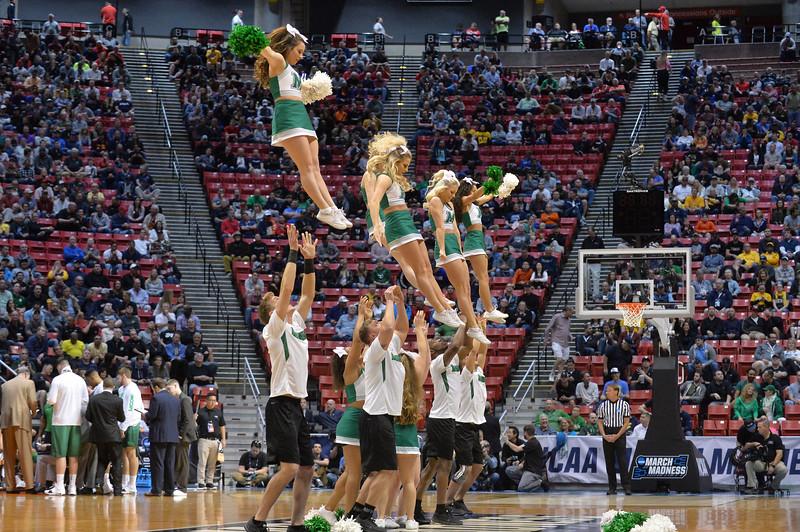 cheerleaders3983.jpg