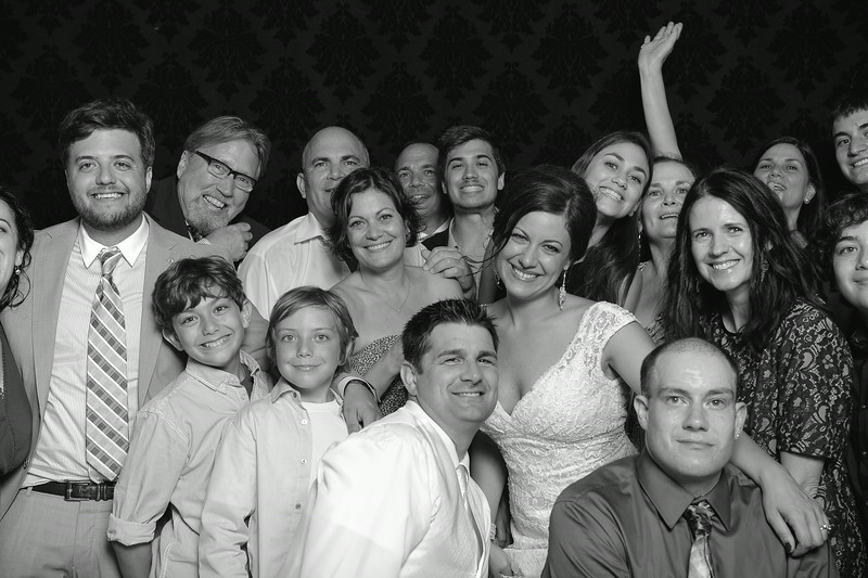 NinaLilyPhotography_Harvey_PhotoBooth240.jpg
