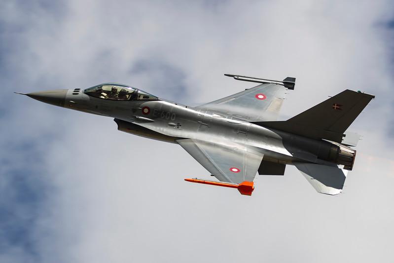 E-600-F-16FightingFalcon-RDAF-RKE-EKRK-2017-08-19-_56I2795-DanishAviationPhoto.jpg
