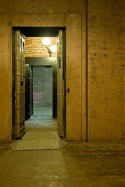 Cascading Vaults