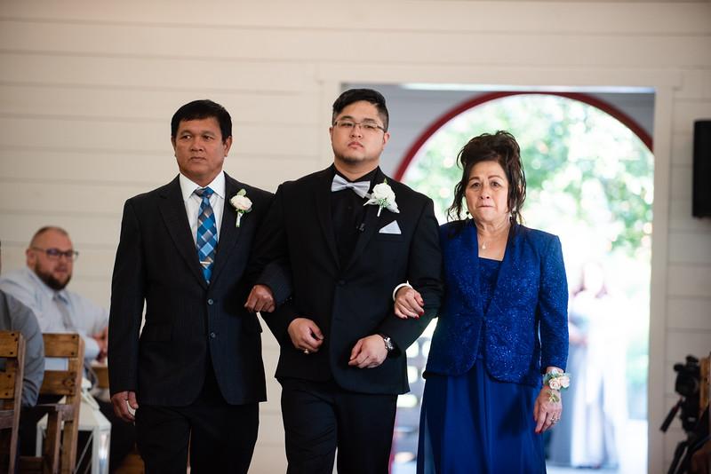 Kaitlin_and_Linden_Wedding_Ceremony-8.jpg