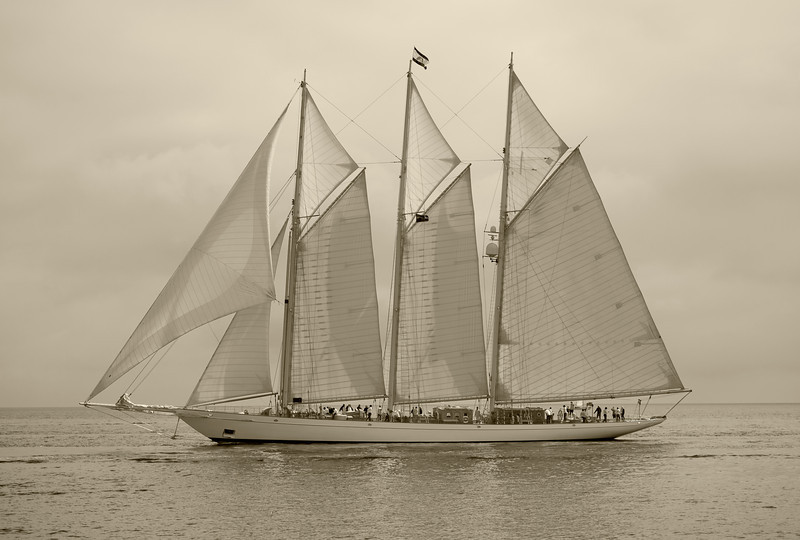 Adix, 65m three masted schooner.
